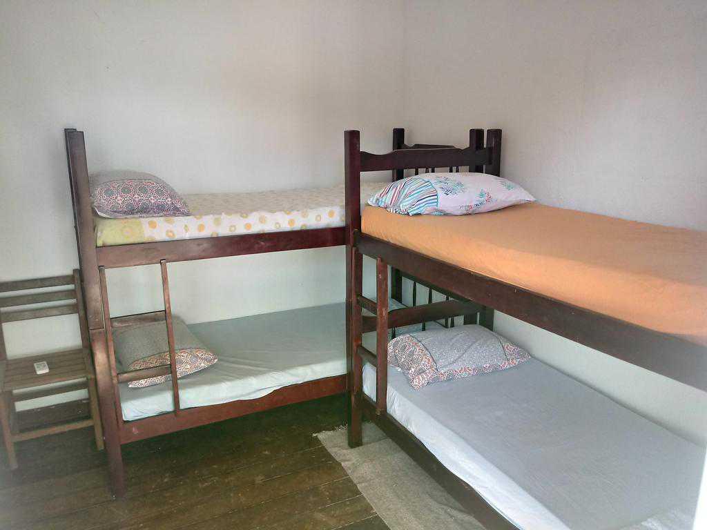quarto compartilhado de 5 camas