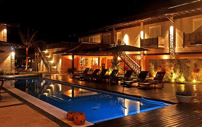 Piscina Noturna Principal Villa da Praia